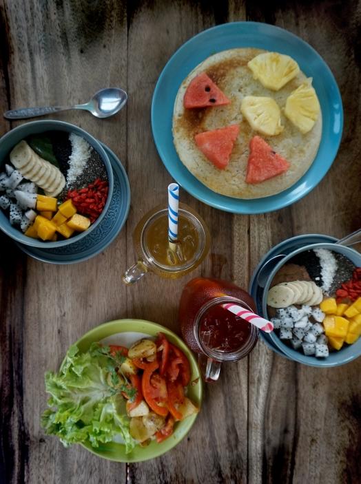 Smoothie bowls, pankaka och potatissallad